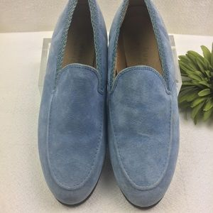 Like New Comfort Hush Puppies Suede Loafers 7M